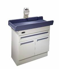 Midmark 640 Pediatric Examination table.png