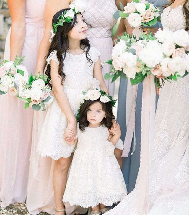 | BEAUTY | • Beauty is in the eye of the beholder! This bridal party's style is definitely something to gush over ☺️