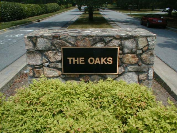 The Oaks Entry Sign.jpg