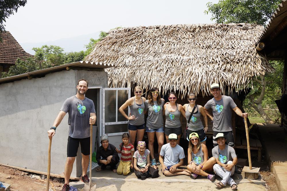 volunteer-trips