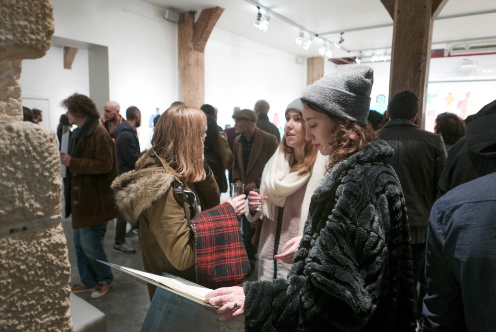 Visiteurs à la galerie Christian Berts @Ghizlène Lachachi - copie.jpg