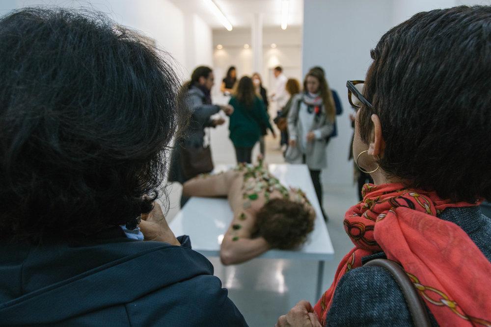 Performance à la Galerie ALB ©gaelle matata.jpg