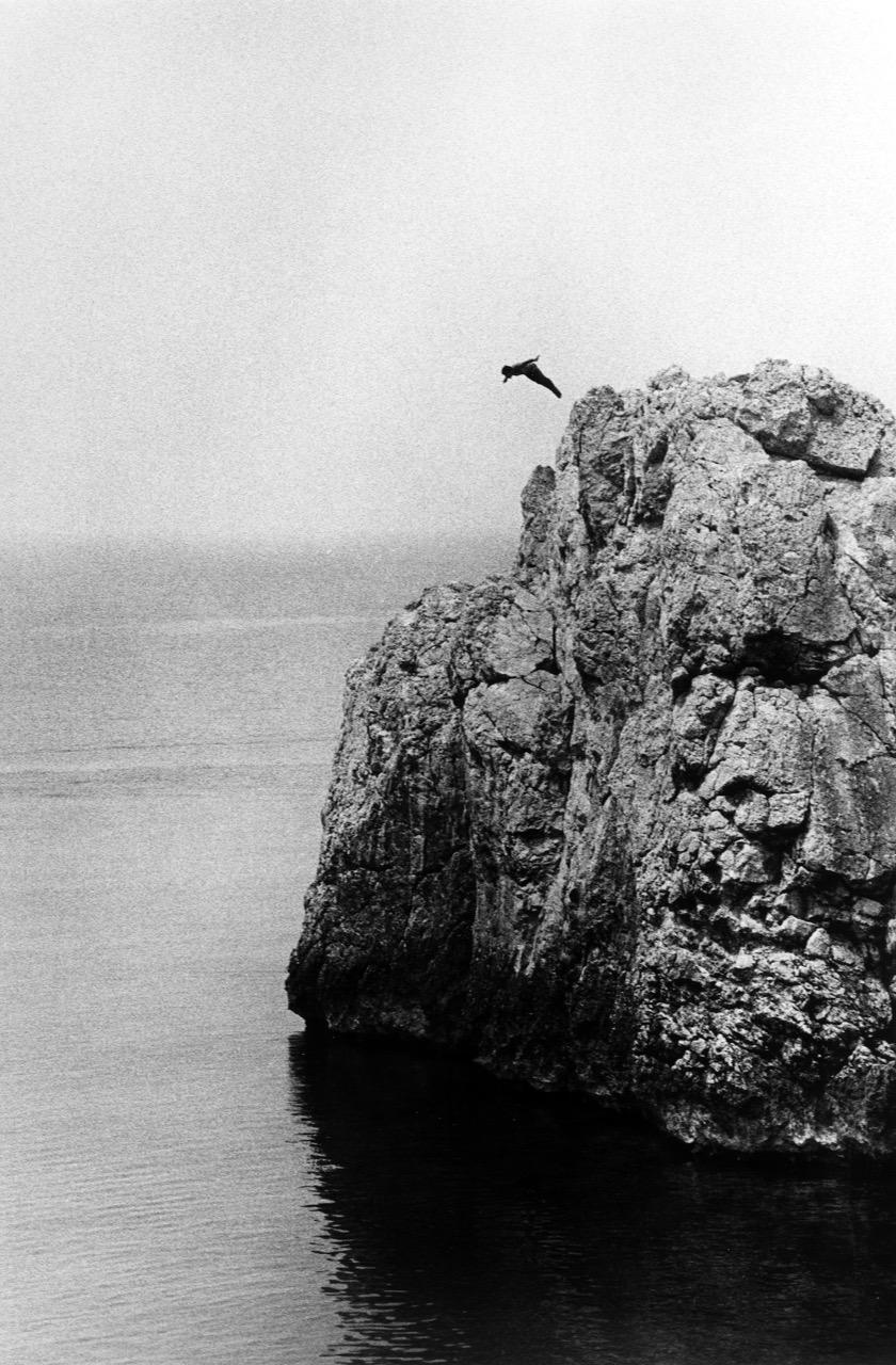 Ralph Gibson, Capri Diver, Courtesy Galerie Thierry Bigaignon