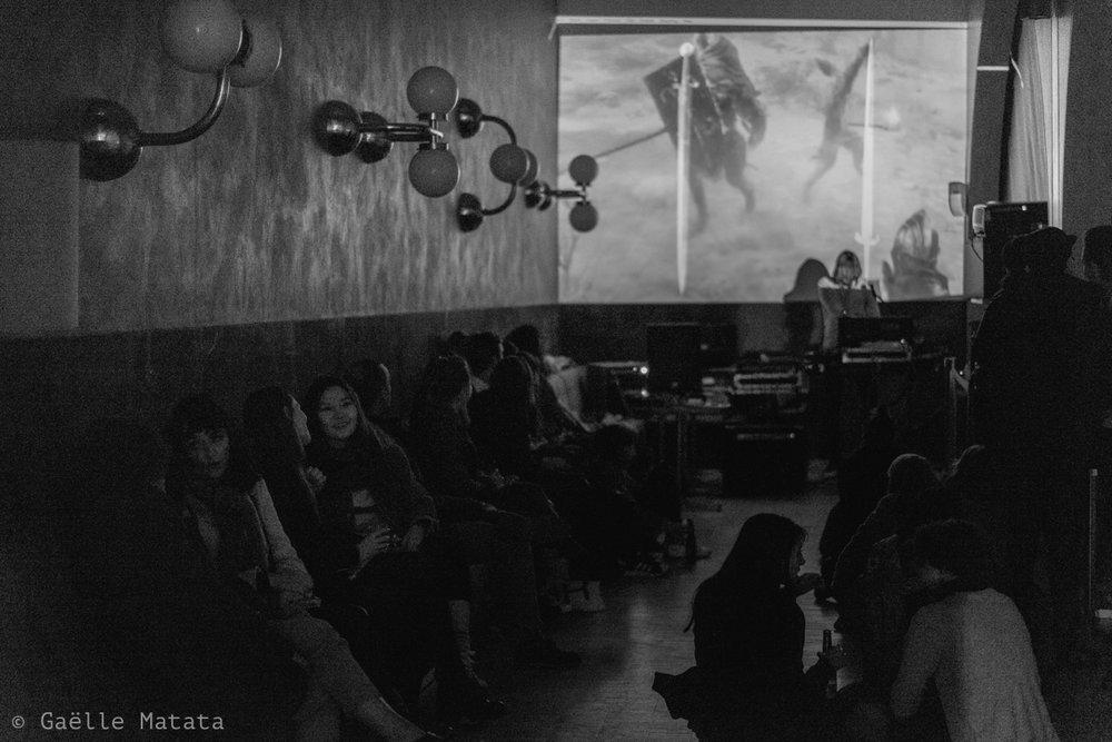 Tables rondes et Art Dating - De 18h30 à 22h : Tables rondes - Auditorium du Carreau du Temple18h30-19h30 :Les nouveaux galeristes du Marais19h45-20h45 : Comment acheter sa première oeuvre d'art ?21h - 22h :Artistes, les nouveaux moyens pour trouver son publicDe 20h à 22h : Art-dating - Mezzanine du Carreau du TempleL'Art, comme l'amour, c'est avant tout une histoire de rencontre.Pas de rencontres amoureuses ici, mais de nombr euses rencontres artistiques, sur la chaleureuse mezzanine du Carreau du Temple. Les artistes se prêteront au jeu des questions réponses et partageront leur démarche et leurs inspirations.On vous attend pour ce moment d'échange unique.