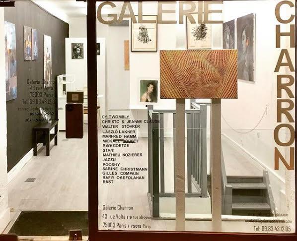 Galerie Charron - La Galerie Charron, fondée en 2007 située dans le 3ème et 15ème arrondissement Parisien se singularise dans le paysage artistique par un fervent engagement à la création d'un pont entre la France et l'Allemagne. Entre peinture, sculpture et photographie, la Galerie Charron sélectionne des artistes passionnés et actuels.43 rue Volta, 75003 PARISwww.galeriecharron.com