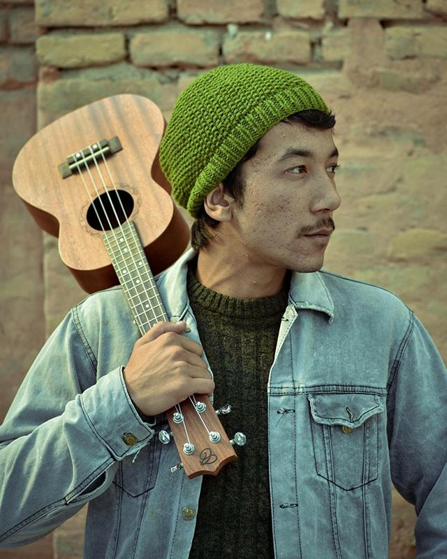 Everyone can rock a beanie! Our stretchy, comfy Pepper knit beanie is designed with a tighter fit, and comes in five different colors. Each purchase also provides our female artisans with support and underprivileged children with a fantastic education. Take a look at haushala.com or in the Etsy shop! 🎶💚 . . . . . #haushala #haushalacreatives #etsy #handmade #ethicalfashion #styleblog #socialimpact #nepal