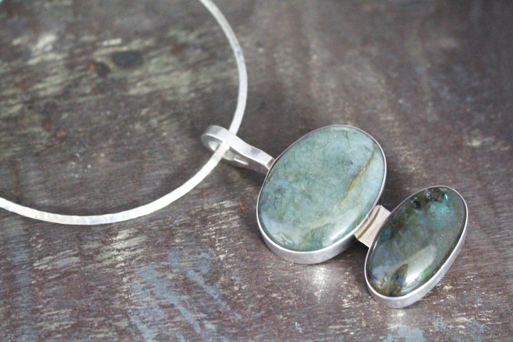 Labradorite pendant & choker