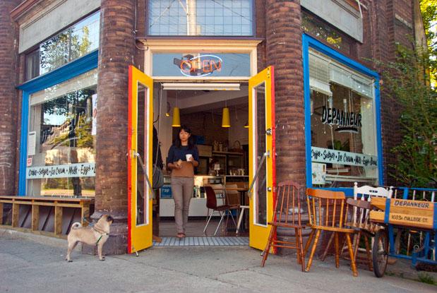 Le-Dépanneur-Café-Local-Montreal-Tours-.jpg