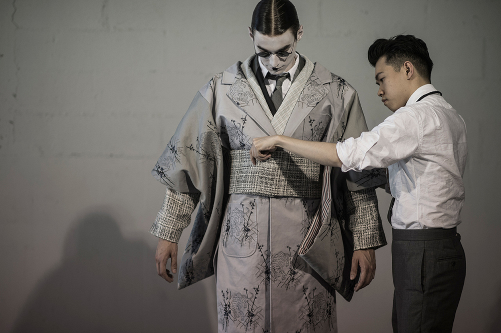 hypebeast-goes-backstage-at-the-thom-browne-2016-spring-summer-show-1.jpg