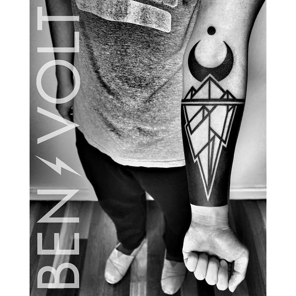 Blackwork-iceberg-tattoo-by-Ben-Volt.jpg