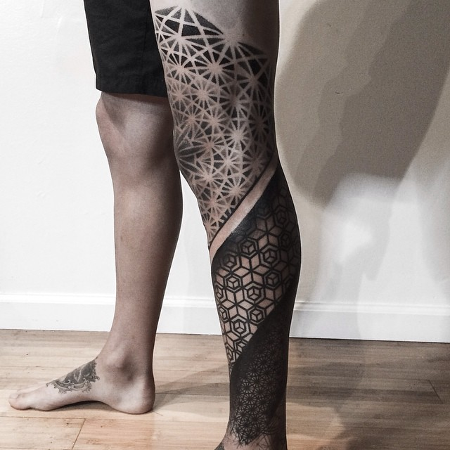 Knee-Leg-Graphic-Geometry-Tattoo-by-Corey-Divine.jpg