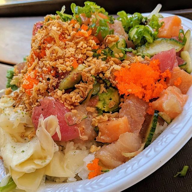 Looks like a mess but tastes like a masterpiece🎨 📷: @themuncherer • • • • 🐟 #salmonsaturday #poki #pokinometry #sushi #orangecounty #oceats #laeats #losangeles #anahiem #hollywood #rowlandheights #postmates #delivery #fishlovers #foodofinstagram #instafood #foodie #tastethisnext #salmon #poke