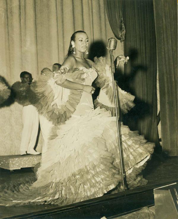 Image via Vintage Black Glamour.