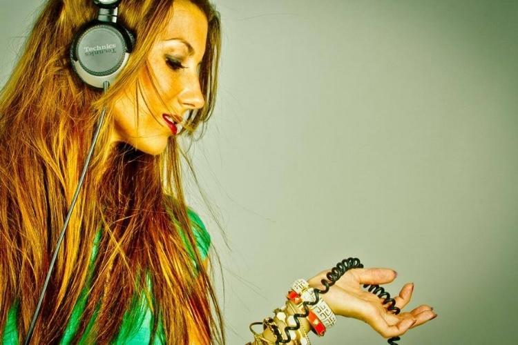 DJ NIXX.jpg