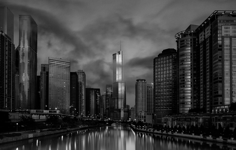 Chicago River Dawn