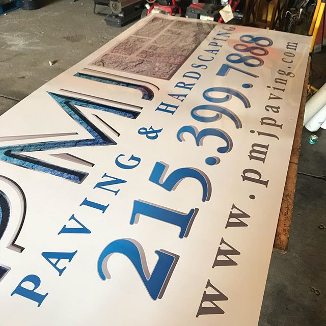 #dicedesign #design #vinyllife #vinyllettering #vinyleverything #signs #signage #buildingsigns #pmjpaving #getnoticed www.dicedesign215.com