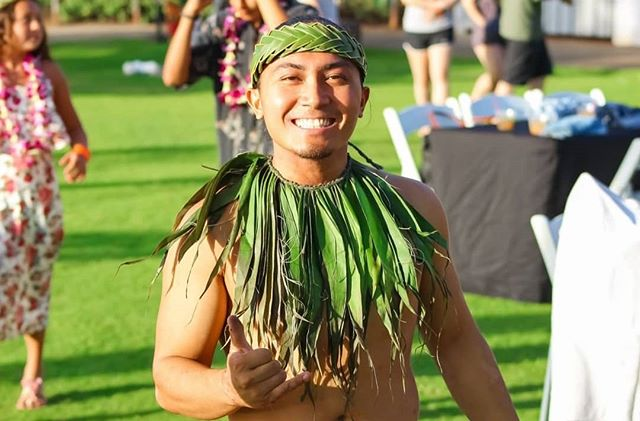 Have you smiled today? 😁 Our Polynesian dancers are always welcoming with friendly smiles and Aloha 🤙🏽Have an awesome day & share a smile with someone today!