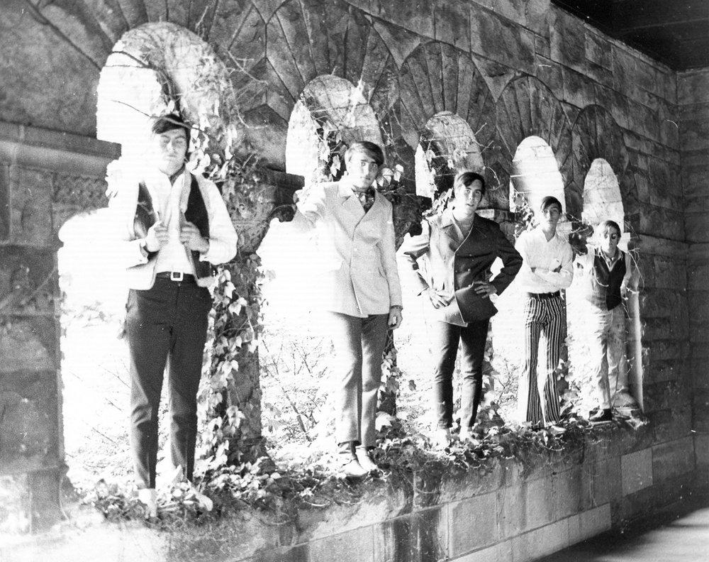04 - Lloyd Stamy & Nobody's Children - Randy, Lloyd, Fritz, Mike & Tom - Under The Arches (#1 of 2) .jpg