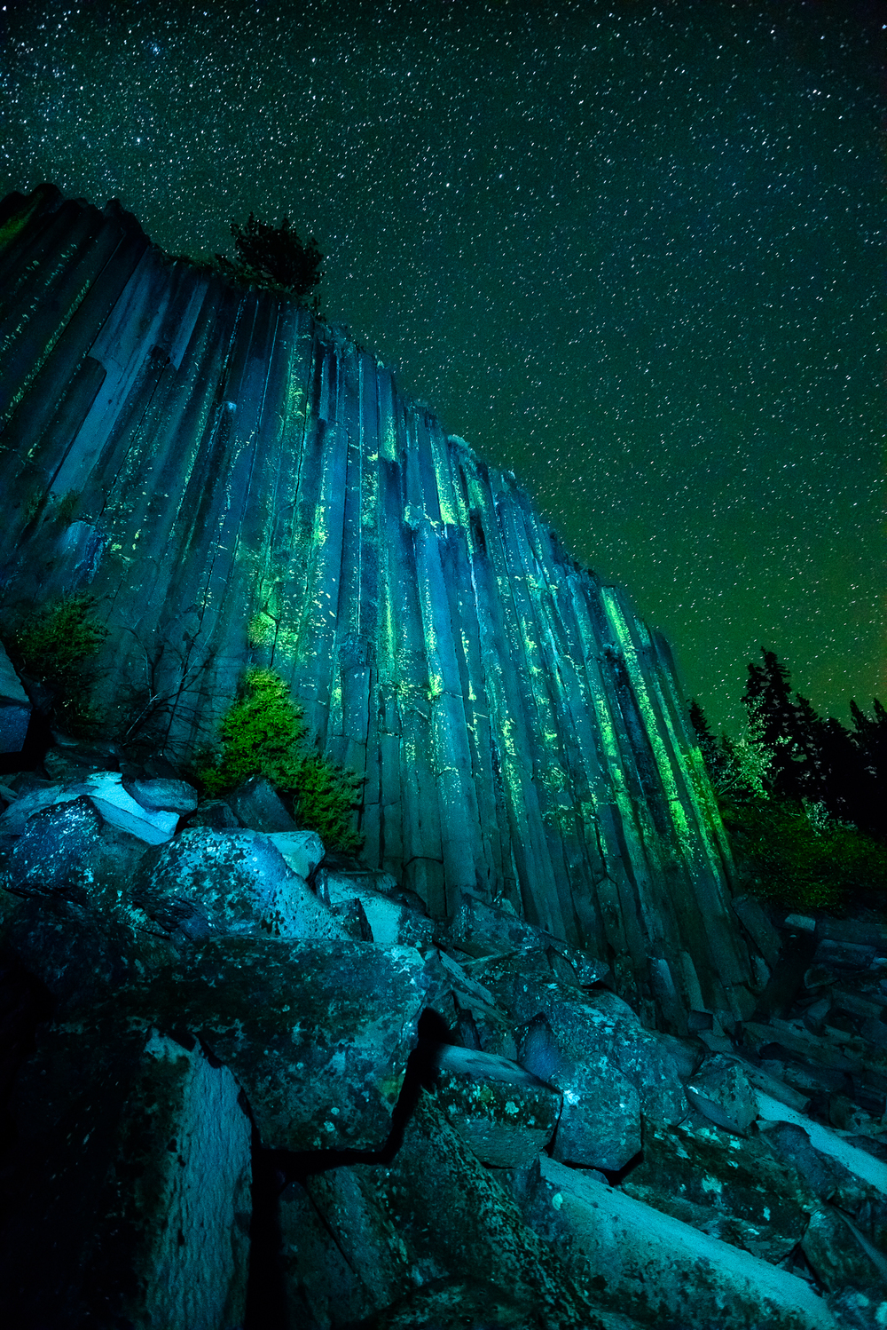 Devil's Postpile glowing under a clear and cold Sierra night.
