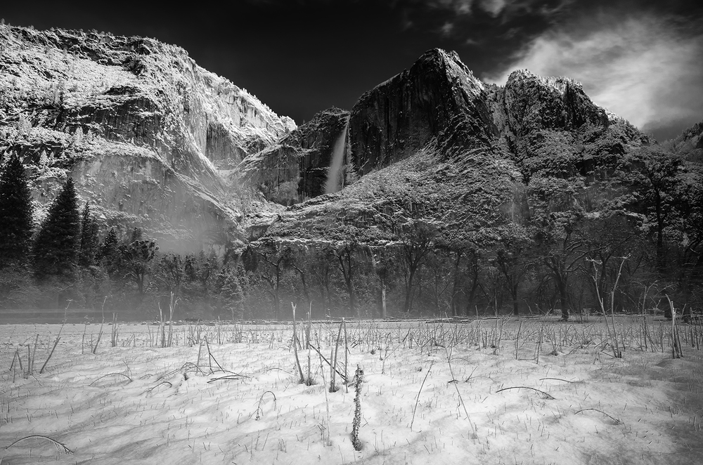 Monochrome images and the Yosemite Valley are a match made in heaven.