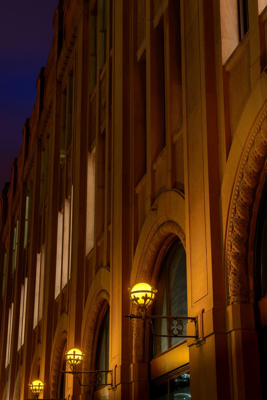 detroit_news_building_lamps.jpg