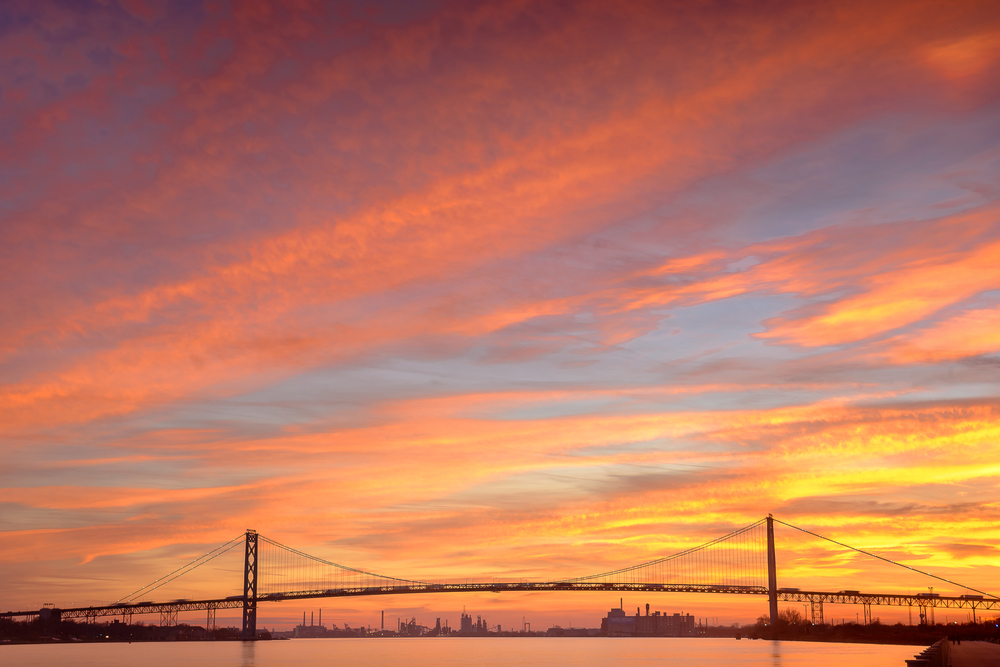 detroit_ambassador_bridge_waterfront_sunset