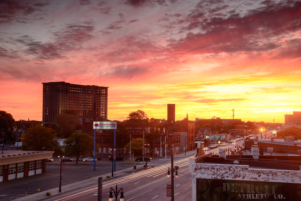 detroit_mighican_central_station_sunset_roofview