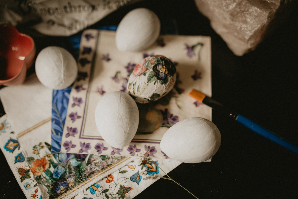 How to make an Easter egg decor