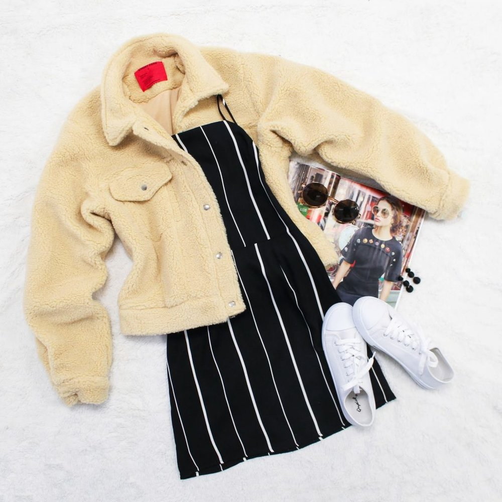 Instagram Flatlys - I regularly style and photograph outfit flatlays on Tobi Instagram.source: tobi.com