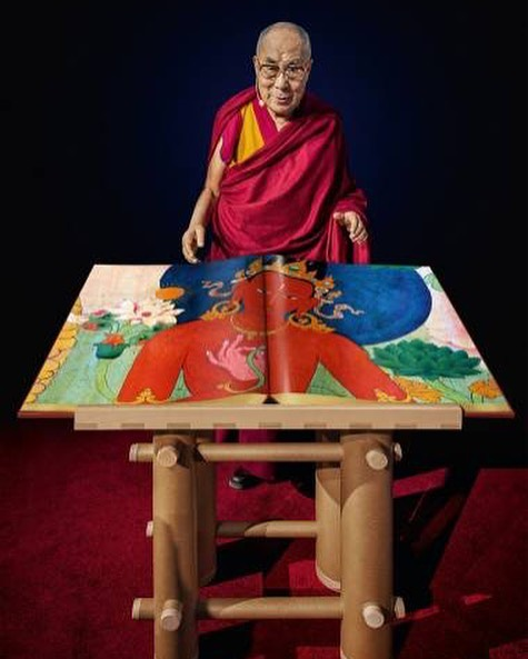 At TIAF 2018 @tokyointernationalartfair we can reveal that @taschen will be exhibiting a unique art collectible that you have to see, admire, and could be even yours to worship forever.  Revealed for the very first time!  A World Heritage landmark, this SUMO-sized publication presents the most precious surviving murals of Tibetan Buddhist culture. For the first time, these astonishing and intricate masterpieces can be appreciated in blazing color and life-size resolution. Signed by his Holiness the 14th Dalai Lama, coming with a book stand designed by Pritzker Prize-Winning Architect Shigeru Ban.  Limited Collector's Edition, each signed by His Holiness the 14th Dalai Lama. . #dalailama #art #tiaf2018 #tokyointernationalartfair #taschen #taschentokyo #collector #collectorsedition #artcollector #collectible #investment #shigeruban #pritzker #pritzkerprize #tibet #murals #buddhism #artist
