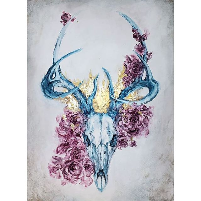 New piece on @everydayorig today! Been thinking about bones a lot and wanted to explore the shapes in an elegant deer skull.  Also finally tried out @ampersand_art 's aquaboard. Love the tooth on it.  Can't wait to explore this surface more.