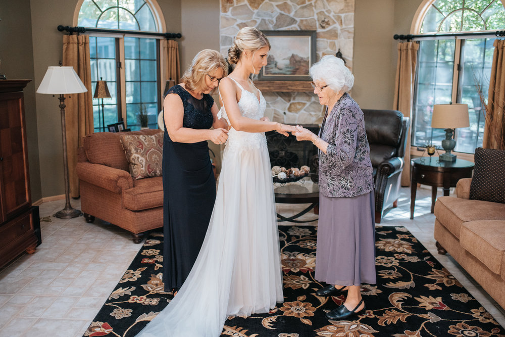 Avon Oaks Wedding14.JPG