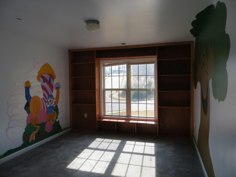 Tripp's bedroom 1.jpg