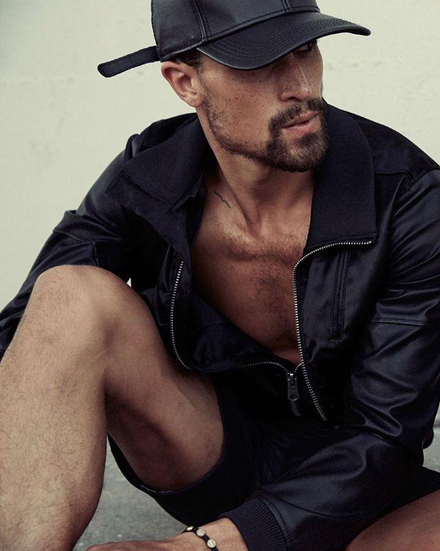 Sometimes you gotta wear black. . . . . 📸 @treverhoehne for Kode Magazine #boysofcolor #VictorRoss #actor #model #KodeMagazine #BlackonBlack