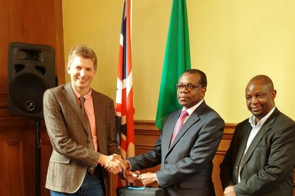Huw Jones with HE Muyeba Chikonde, High Commissioner for Zambia to the UK, and Dr Charles Msiska, District Medical Officer for Chongwe District