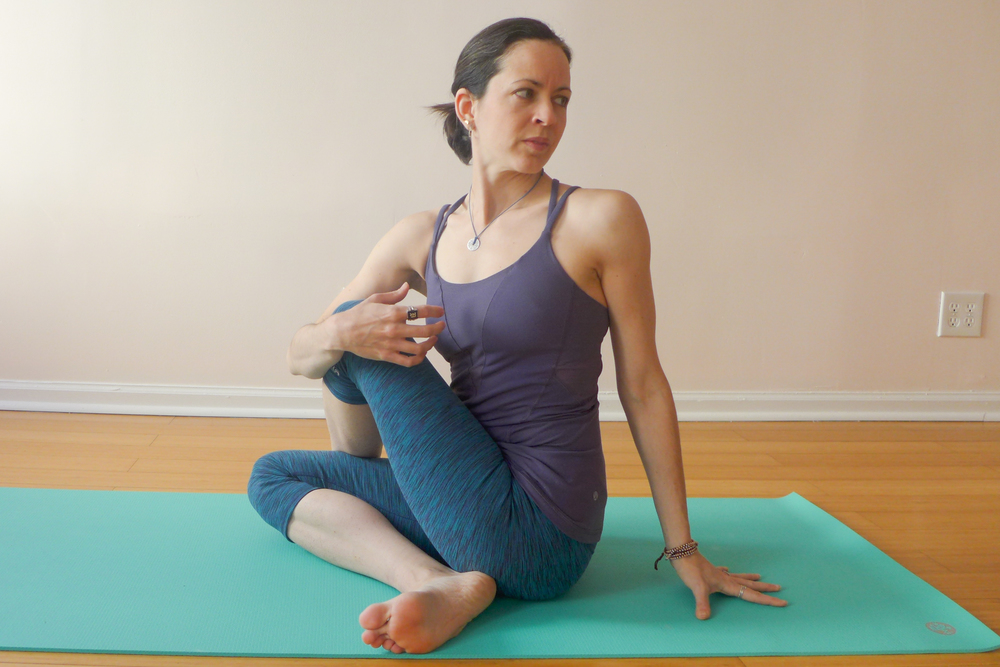 3. SEATED SPINAL TWIST