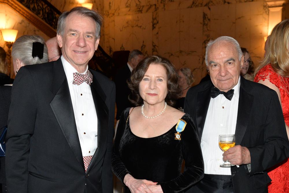 DSC_3661-Tony Tichenor, Judy Mann Villard, Carl Paiva.JPG
