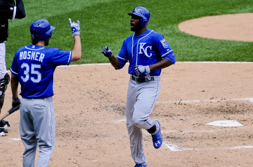 lorenzo-cain-eric-hosmer-mlb-kansas-city-royals-chicago-white-sox-850x560.jpg