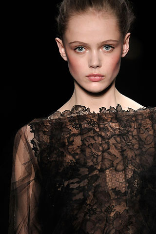 Valentino in the past.. Detail 3