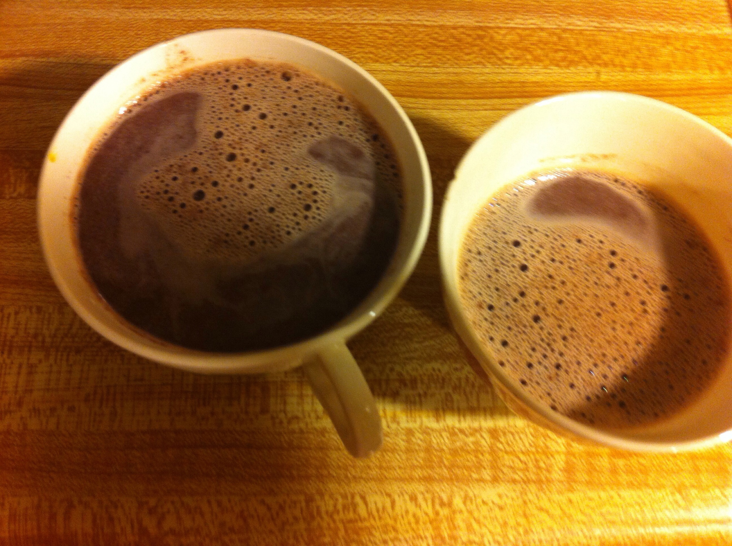 Pour your decadent and healthy hot chocolate into the mugs or tea cups of your liking and enjoy!