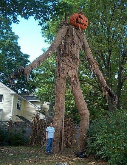 12 pumpkin king - Best Decorated Halloween Houses