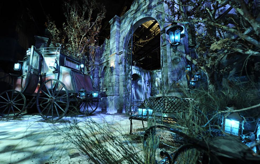 Photo from www.halloweenhorrornights.com