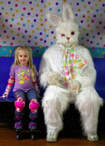 creepy-scary-weird-easter-bunny-photo-picture-19.jpg