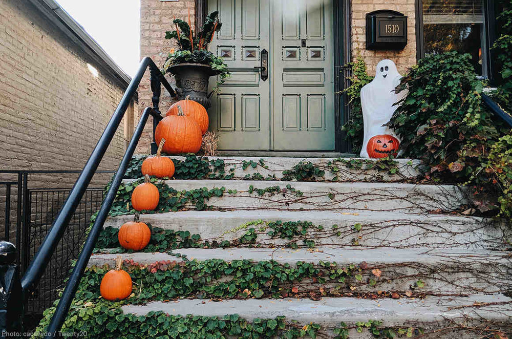 web18-halloweenporch-1160x768.jpg