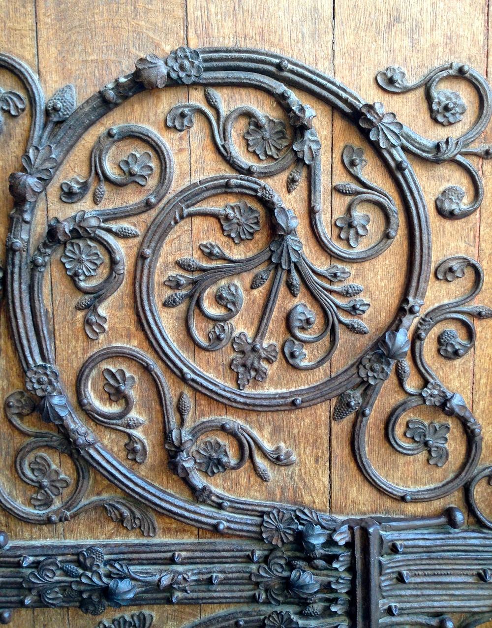 an outer door, Notre Dame