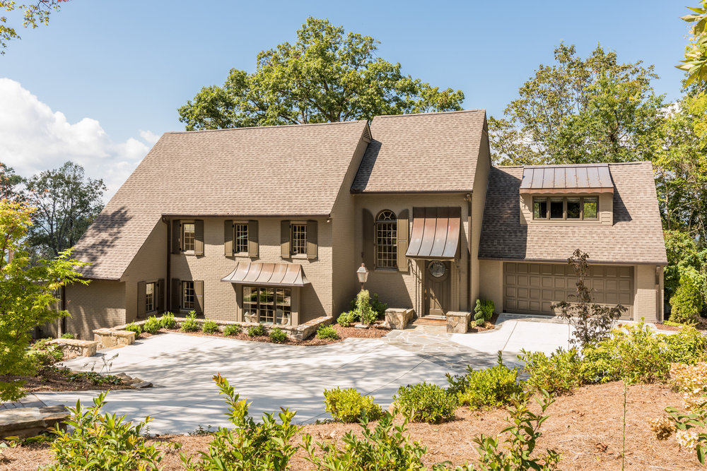 614 W Brow Rd | Lookout Mountain, TN | 4 BR / 4 Full, 1 Half Baths  / 5,454 sq ft