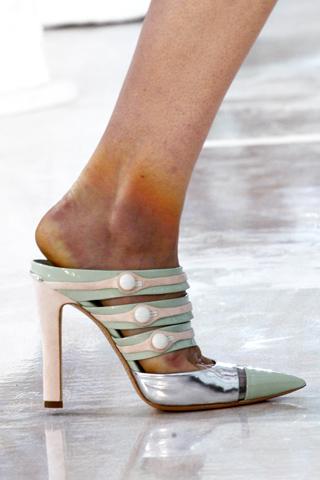 models_-feet
