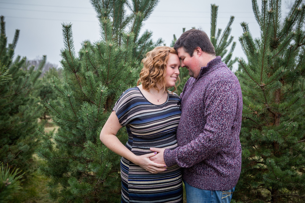 Maternity Tree Farm Photography
