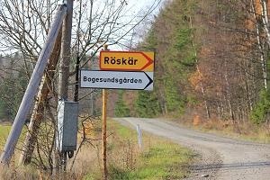 Skylten vid steg 6, Avtagsvägen mot Röskär
