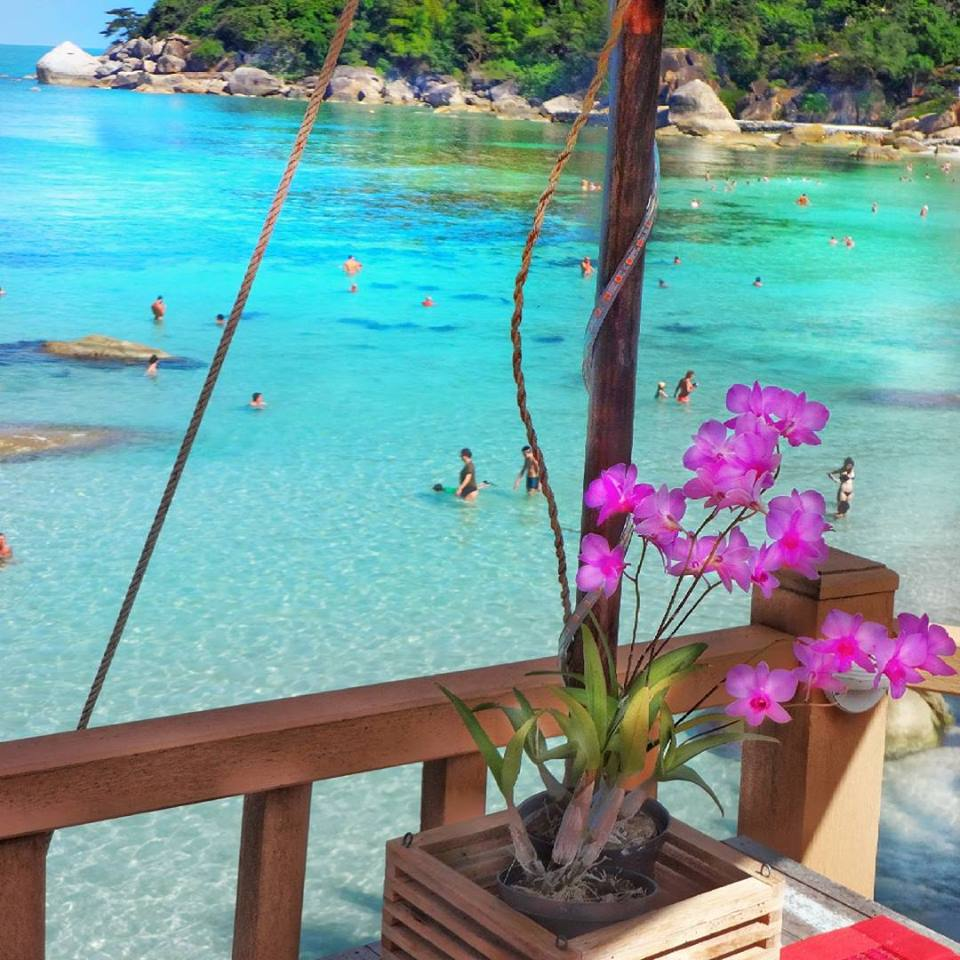 Takien beach, KohSamui, Thailand; Photo by @ms.luxuryworldtraveler